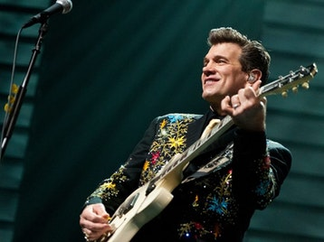 Chris Isaak, Siobhan Wilson picture