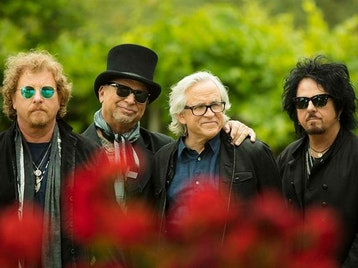 'The 40 Trips Around The Sun' Tour : Toto picture