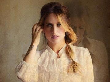 Lucie Silvas picture