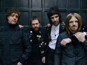Kasabian, Slaves picture