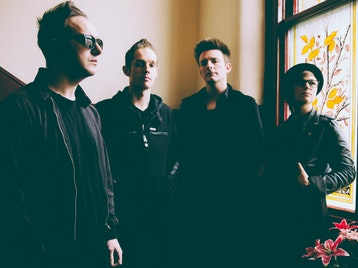 The Crying Onion Tour: Glasvegas picture