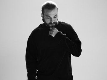 The Warehouse Project: Size Matters + Steve Angello + Sunnery James & Ryan Marciano + AN21 + Third Party + Max Vangelli + Qulinez + Tim Mason + Matt Everson + Nick Coulson + Leo Slater + No Curfew picture