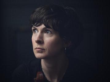 Lucy Farrell artist photo
