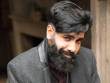 4 Top Stand Ups: Paul Chowdhry, Alistair Barrie, Jeff Innocent, Elis James picture