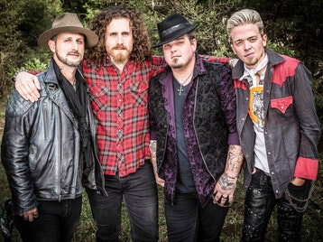 Black Stone Cherry + Duff McKagan's Loaded picture