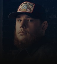 Luke Combs artist photo