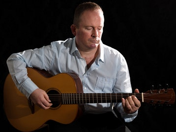Celtic & Spanish Guitar Music from the Heart: Geoff Robb picture