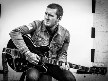 Brian Fallon & The Howling Weather, Empty Lungs picture