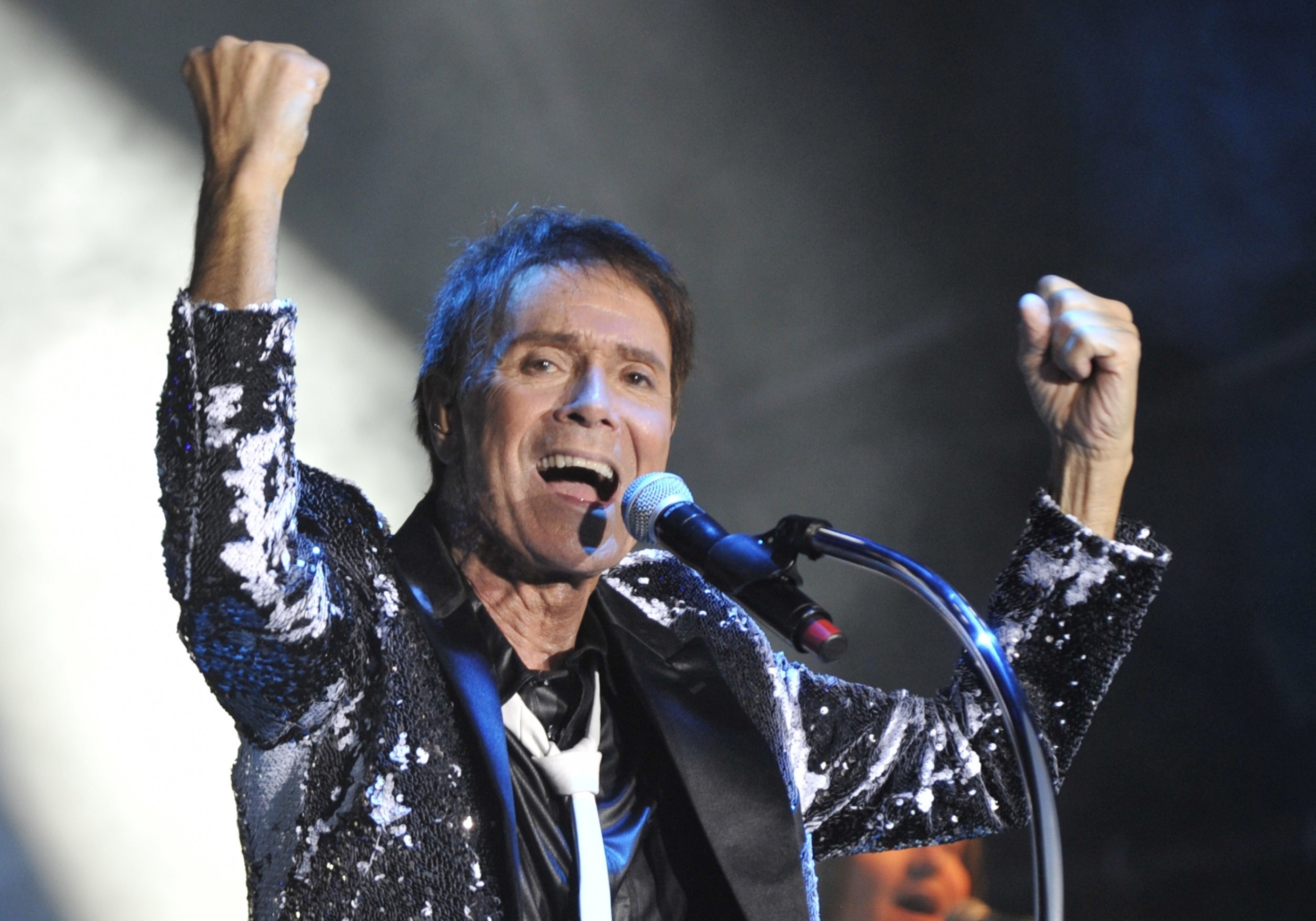 Cliff richard tour dates pic 567
