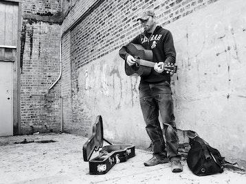 Tim Barry artist photo