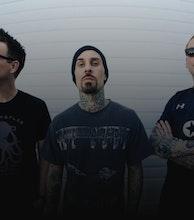 Blink-182 artist photo