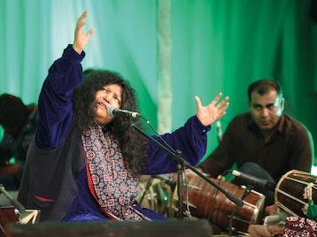 Abida Parveen, Nahid Saddiqui picture