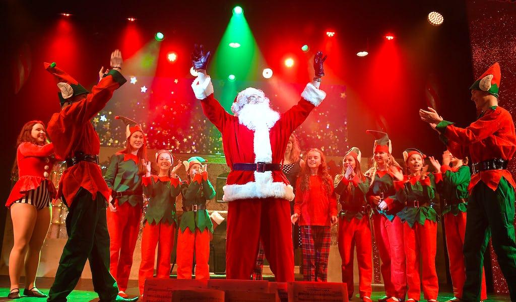 Christmas Spectacular.Christmas Spectacular Tickets Yeadon Town Hall 19th Dec 2019