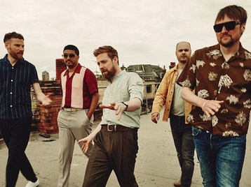 Kaiser Chiefs picture