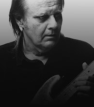 Walter Trout artist photo