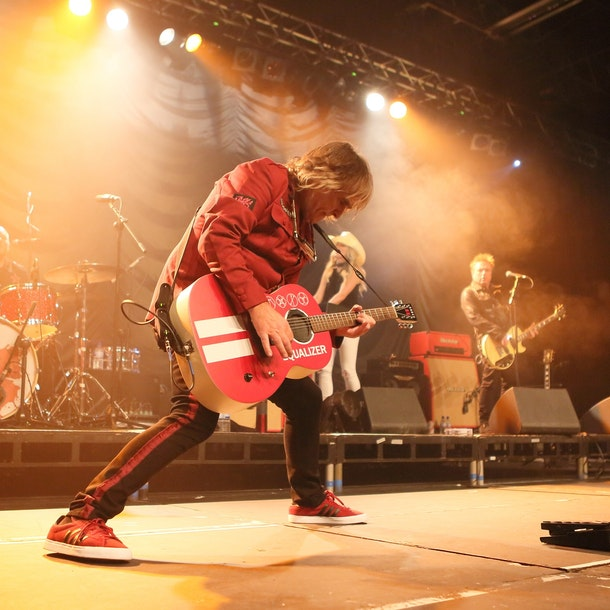 Mike Peters Tour Dates